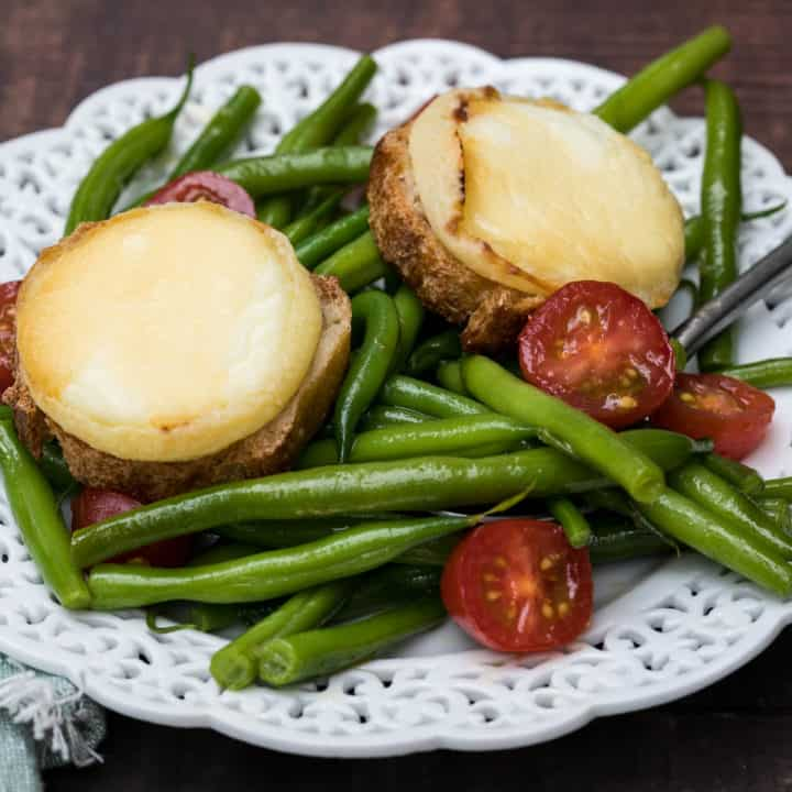 Green Bean Salad with Baked Goat Cheese